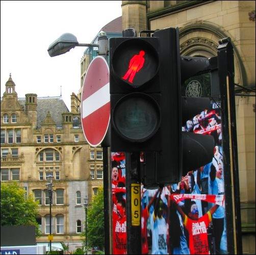 pedestrian signal in England